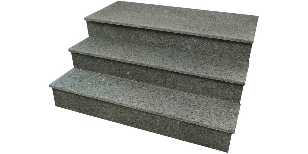 Trapp med granitt