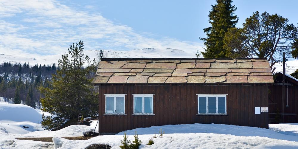 Ottaskifer på tak i bruddet _VA00701